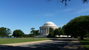 Jefferson Memorial from right before the 14th St Bridge entrance
